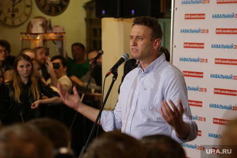 Шарите клиника Алексей Навальный лечение военные яд отравление