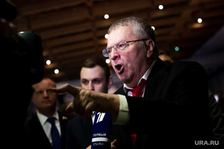 вакцинация коронавирус Россия Владимир Жириновский ЛДПР лидер глава