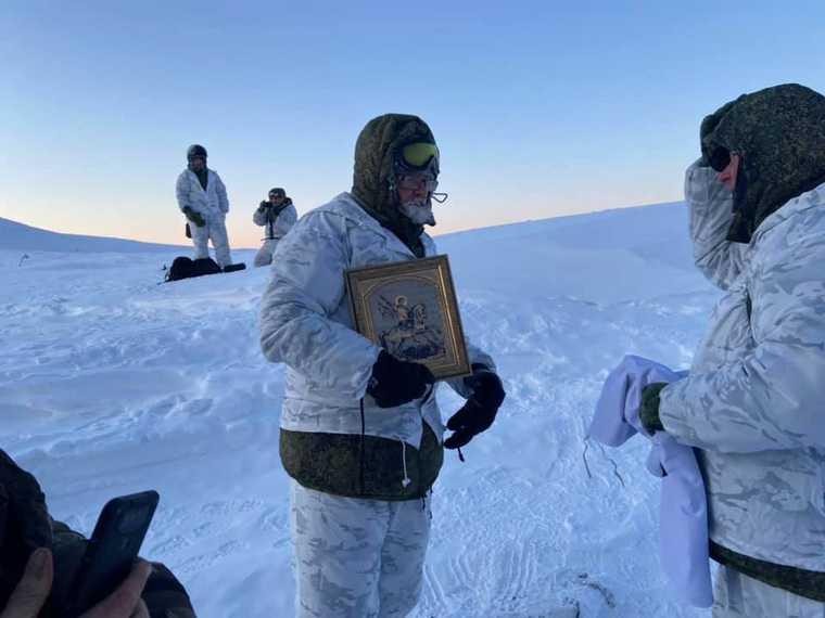 У челябинского министра на перевале Дятлова замерзла водка