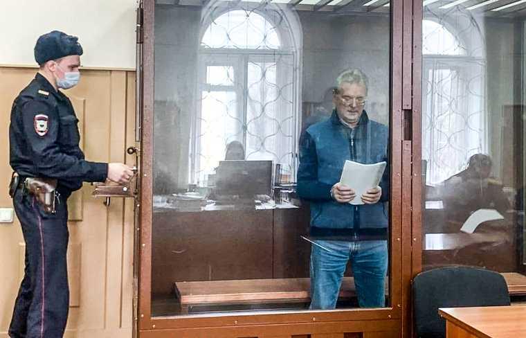 Иван Белозерцев в суде. Москва