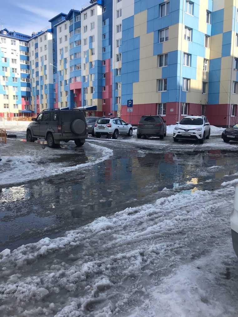 В ЯНАО из-за перепадов температуры затопило город. Фото