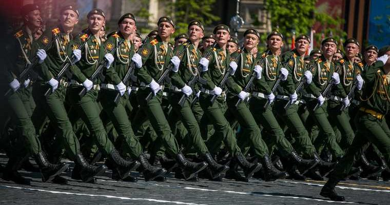 Сунцов новый ведущий парад Победы