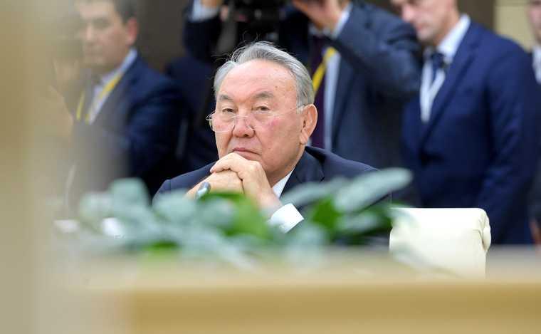 назарбаев казахстан путин отставка медведев