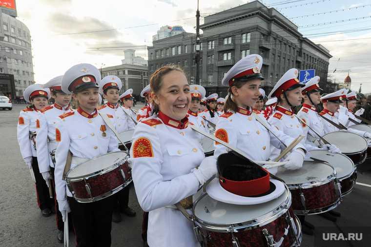 Генеральная репетиция парада Победы на Площади революции. Челябинск