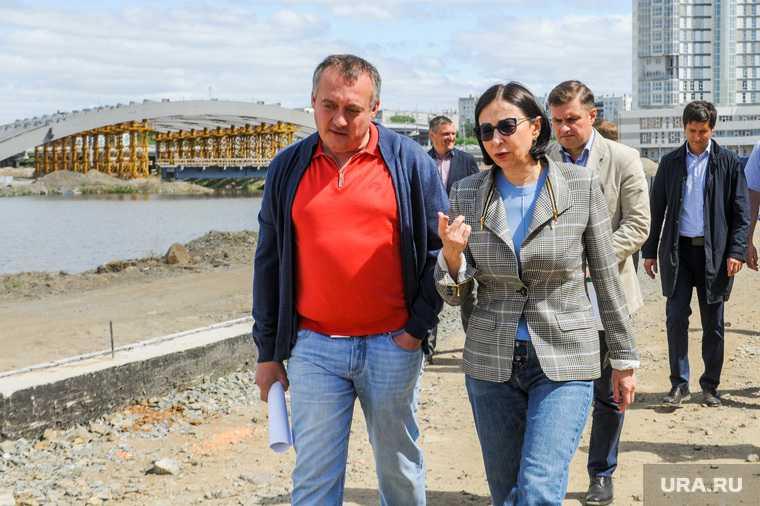 Наталья Котова на осмотре строящейся набережной реки Миасс. Челябинск
