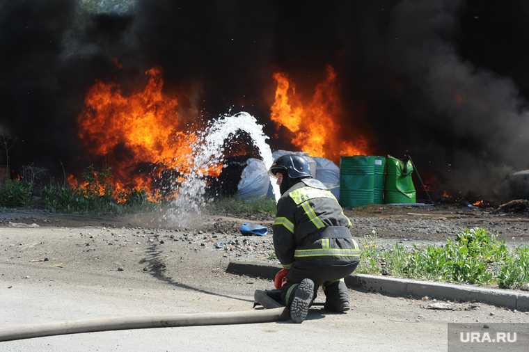 Челябинск цинковый завод пожар промзона дым